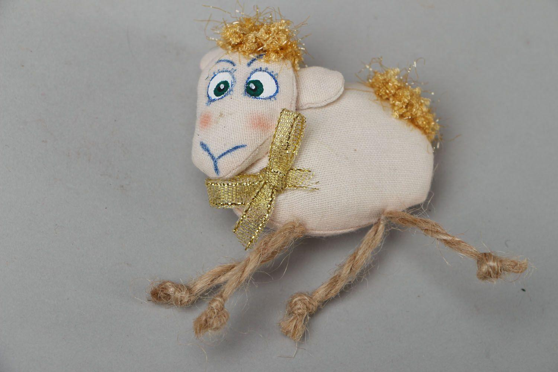Fridge magnet made of yarn Lamb photo 1