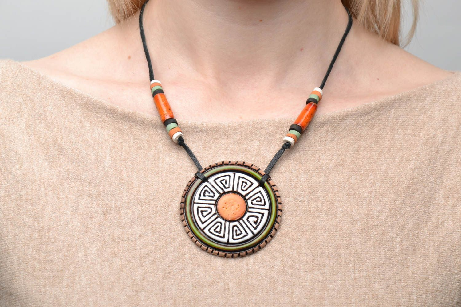 Ceramic pendant in ethnic style photo 2