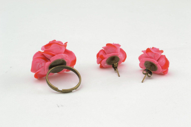 Plastic jewelry set Roses photo 4