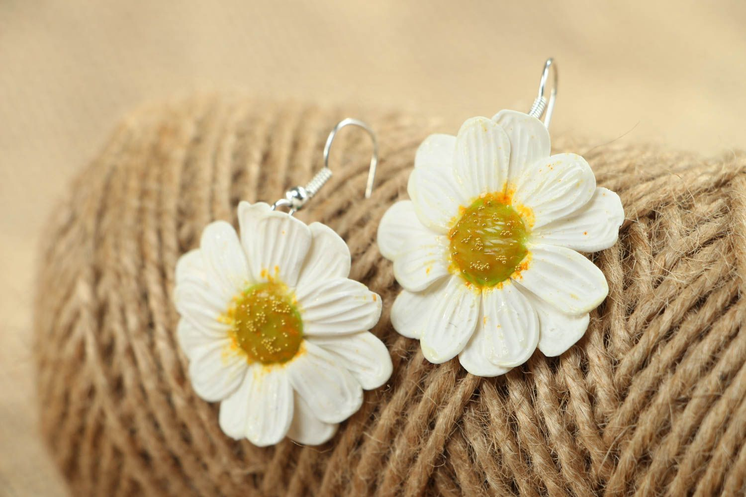 Polymer clay camomile earrings photo 4