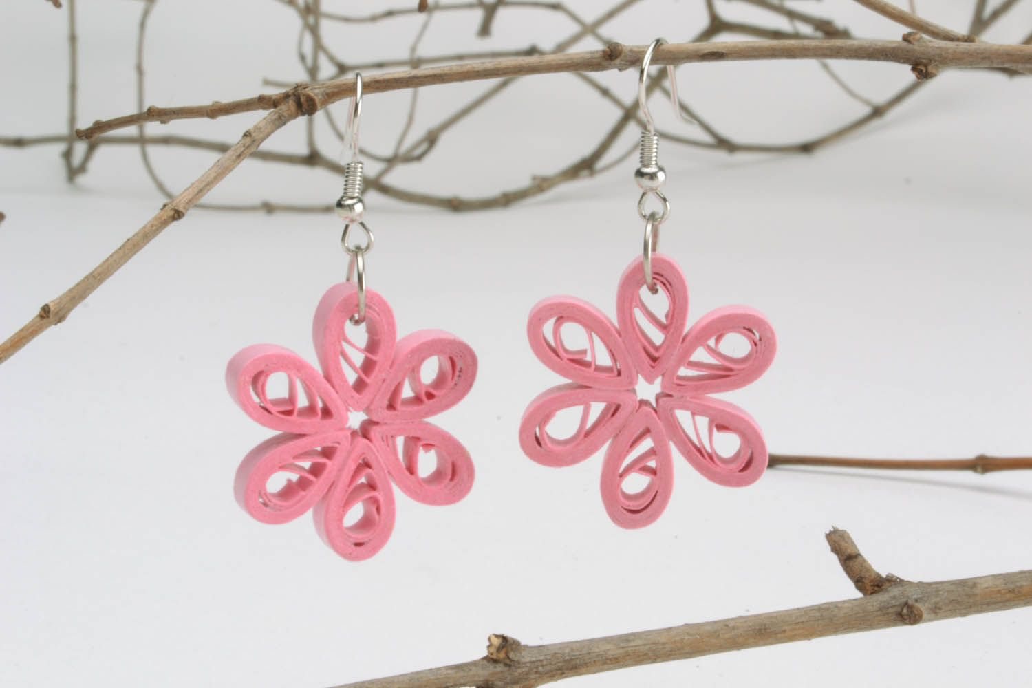 Paper quilling pink earrings photo 1