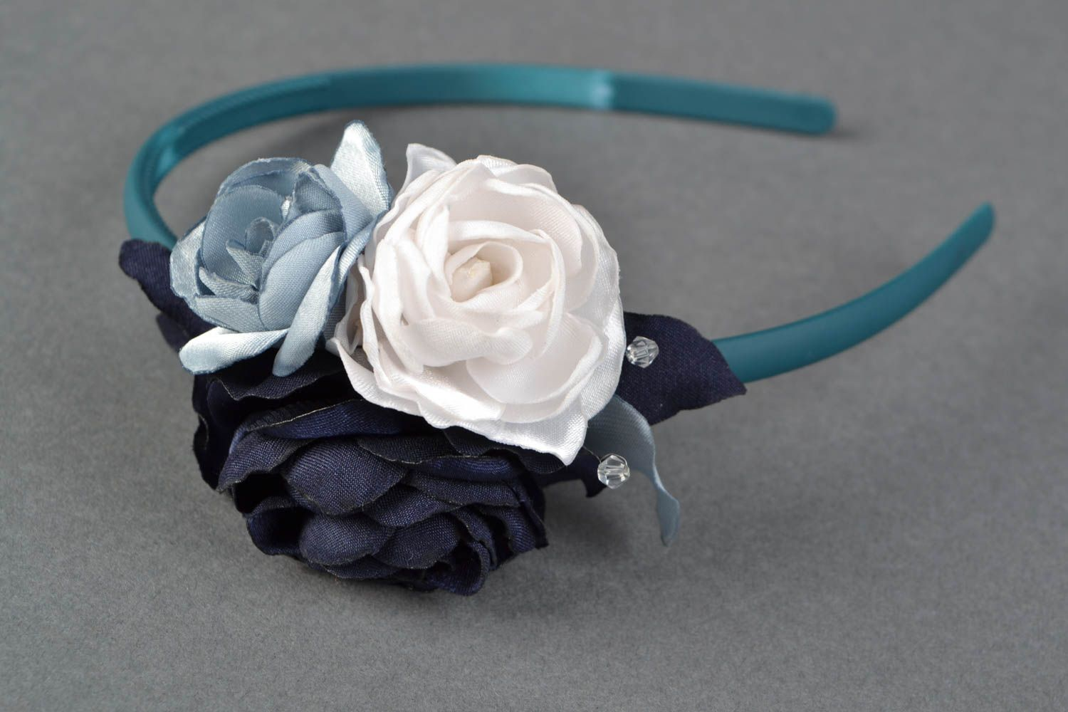 Madeheart White And Blue Floral Headband With Satin Ribbons