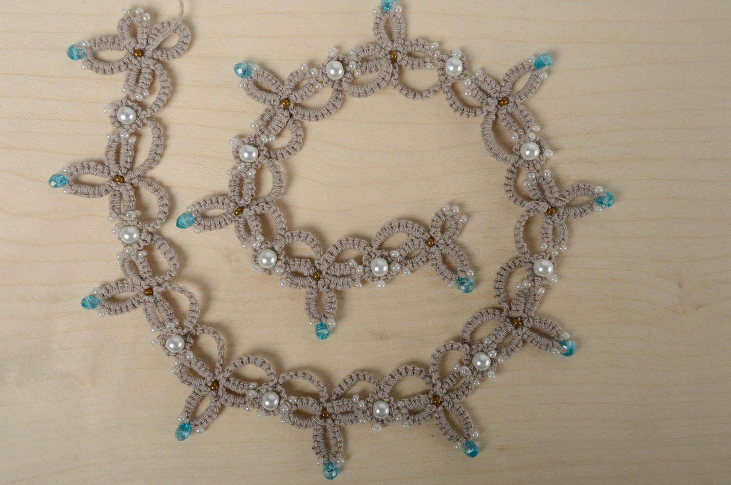 Woven beaded necklace photo 2