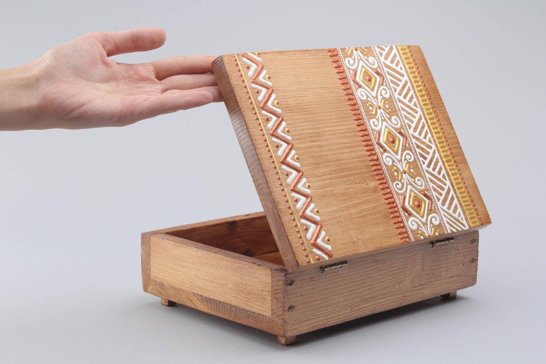 de madeira e pintada à mão. Dê ao seu marido uma caixa de madeira  #986233 1500x1000
