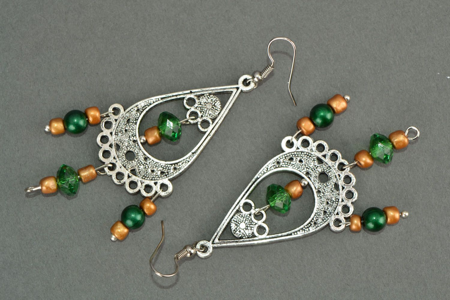 Long earrings in Eastern style photo 3