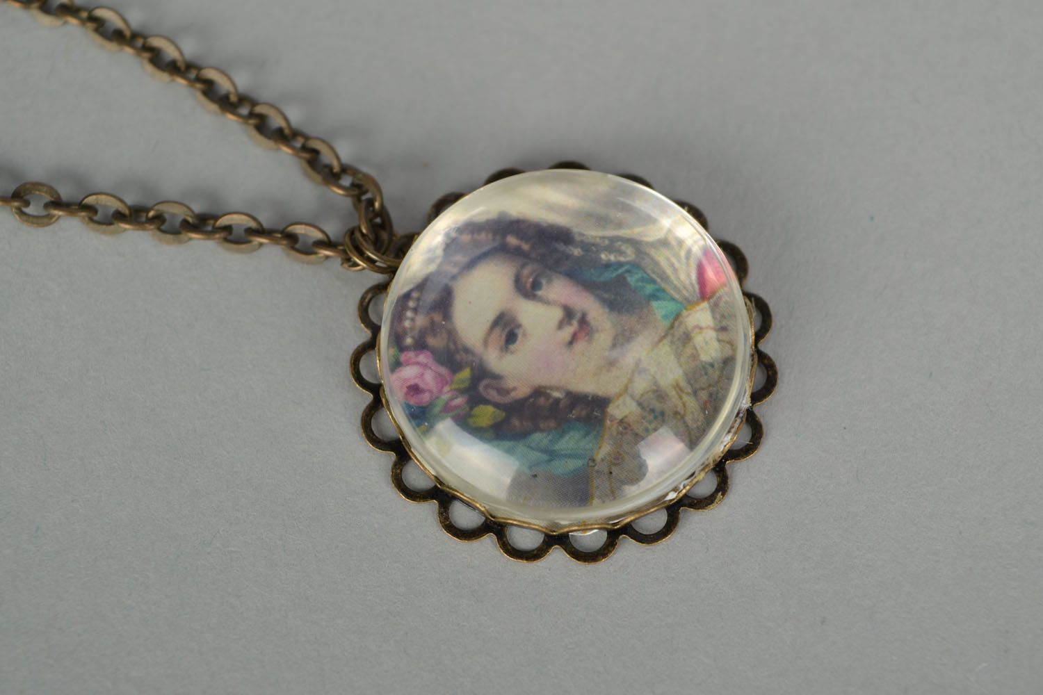 Homemade pendant with long chain photo 3