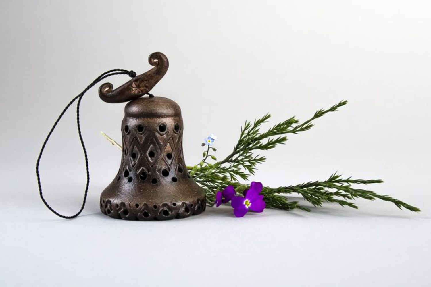 Interior pendant in the form of a bell photo 1
