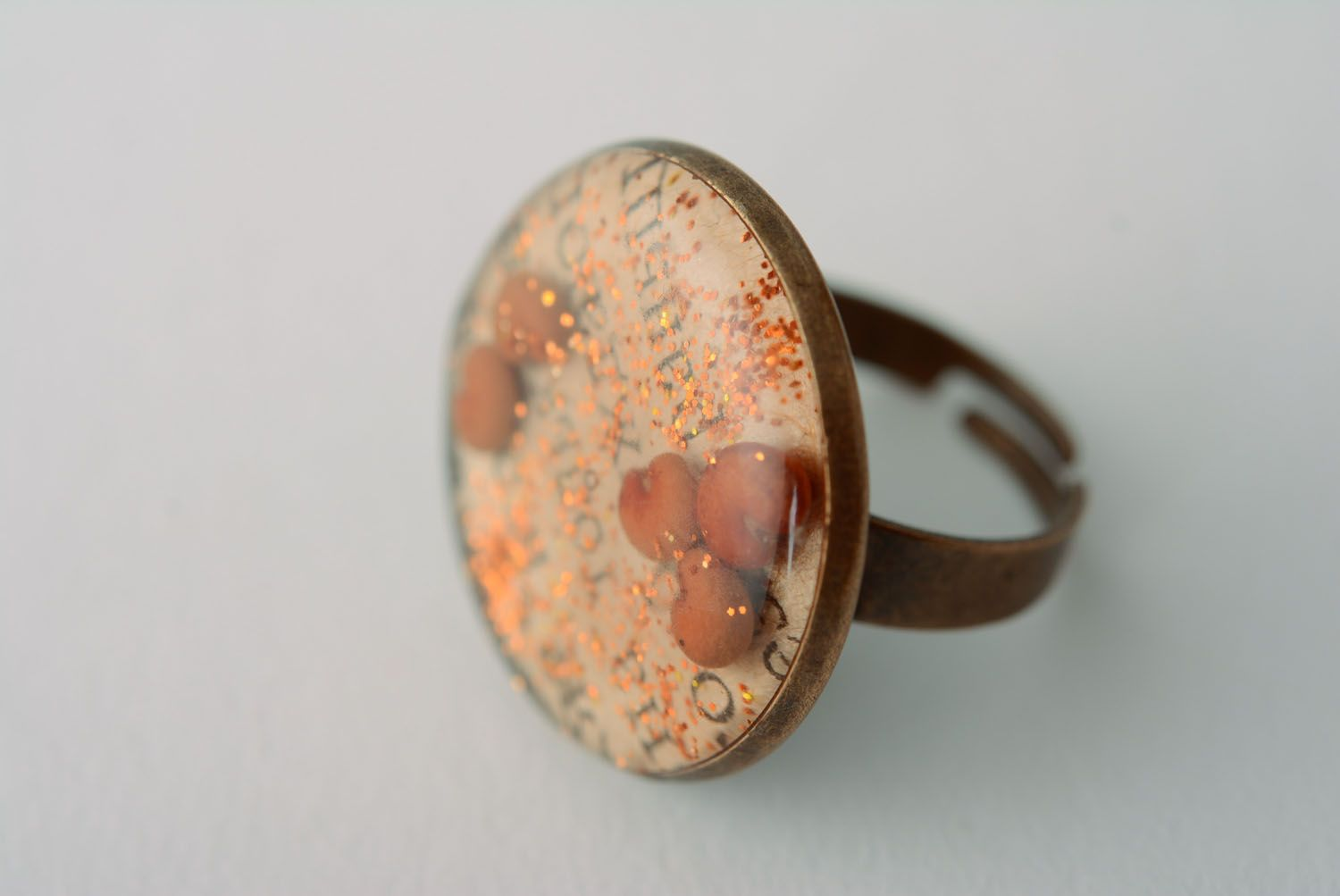 Ring with epoxy resin photo 1