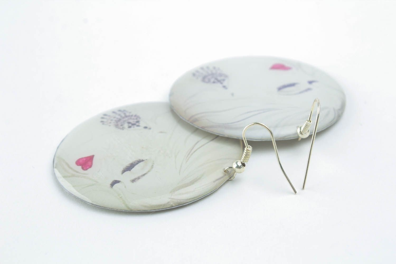 Earrings made of epoxy resin photo 2