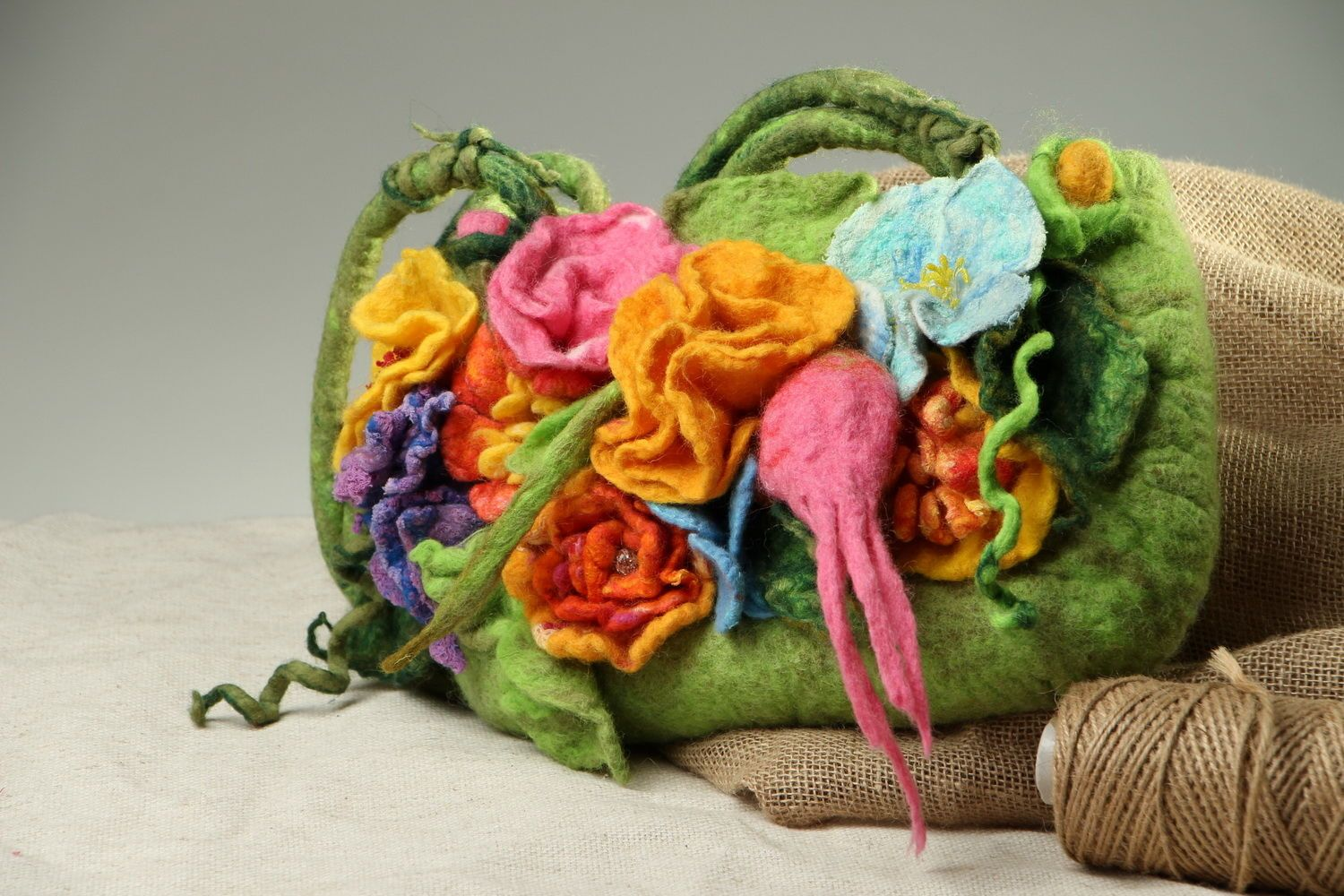 Bag made of felted wool Flower meadow photo 5