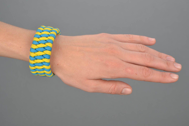 Wide paracord bracelet photo 1