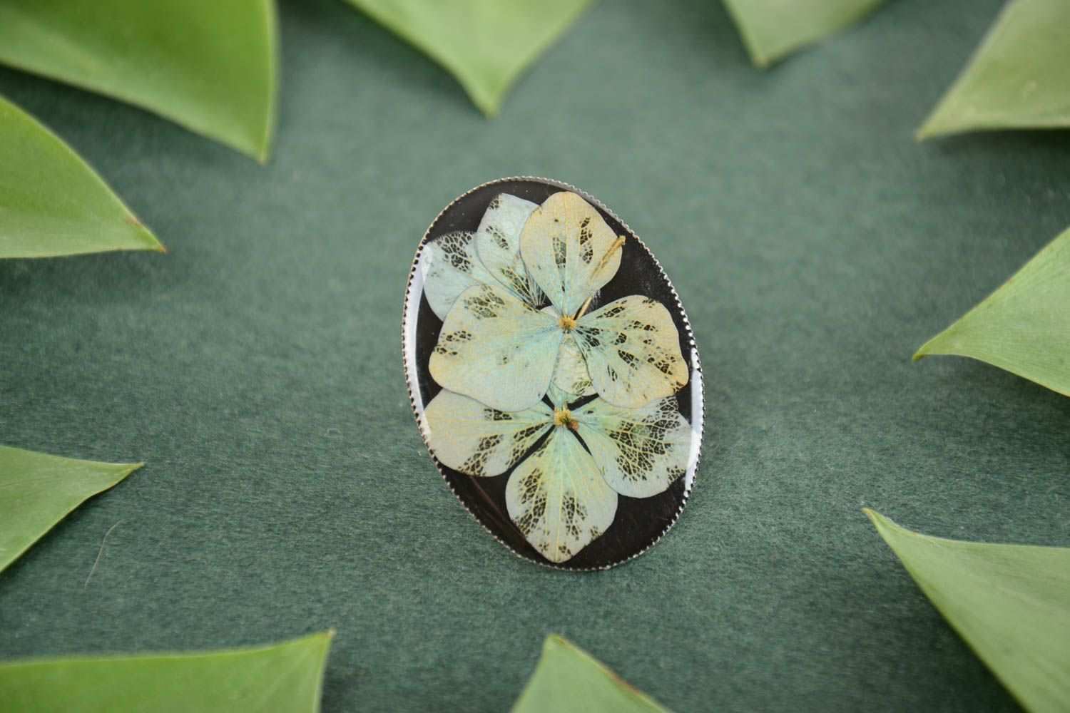 Beautiful handmade designer ring with dried flowers coated with epoxy photo 1