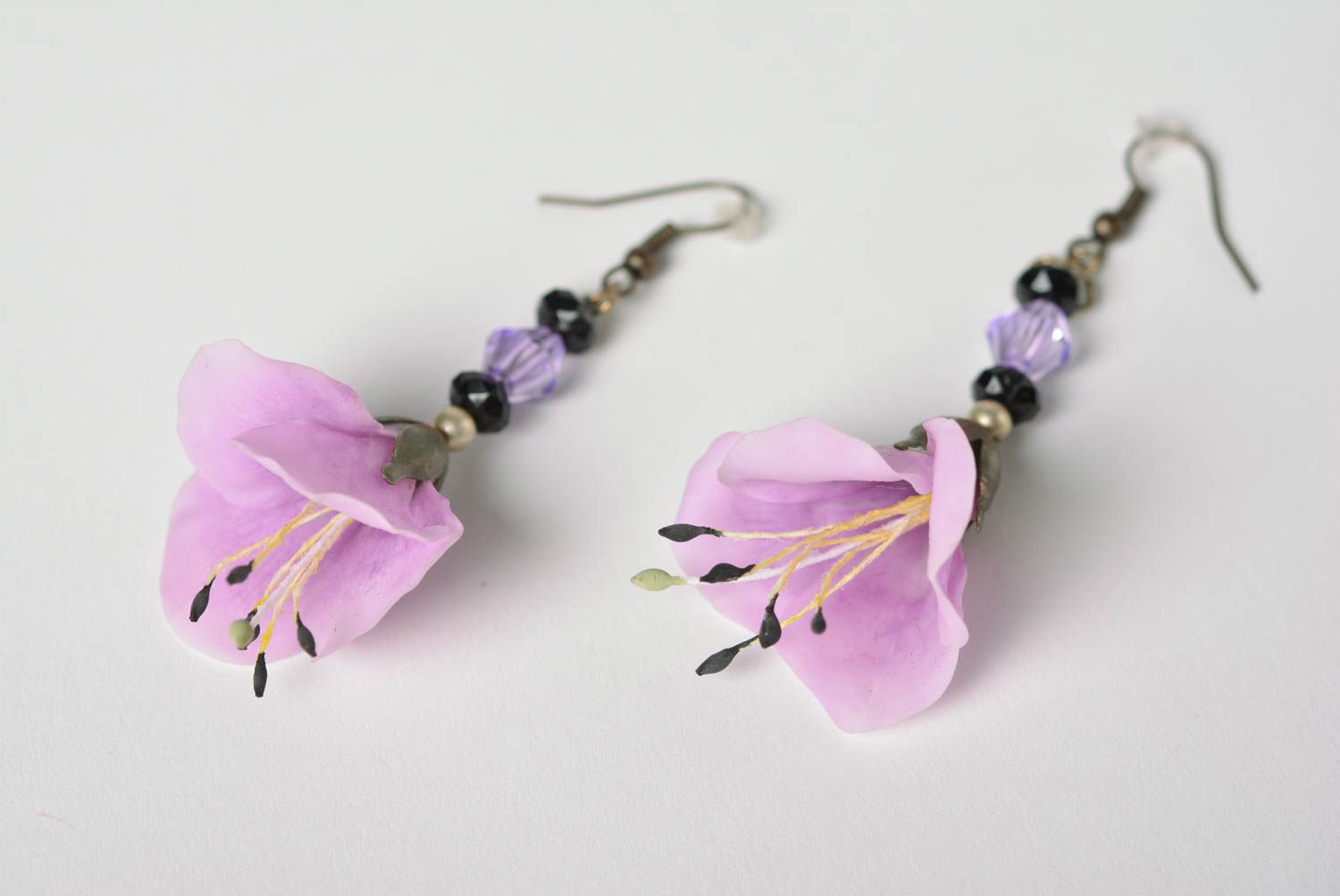 Handmade Japanese polymer clay dangling  earrings with long violet flowers photo 3