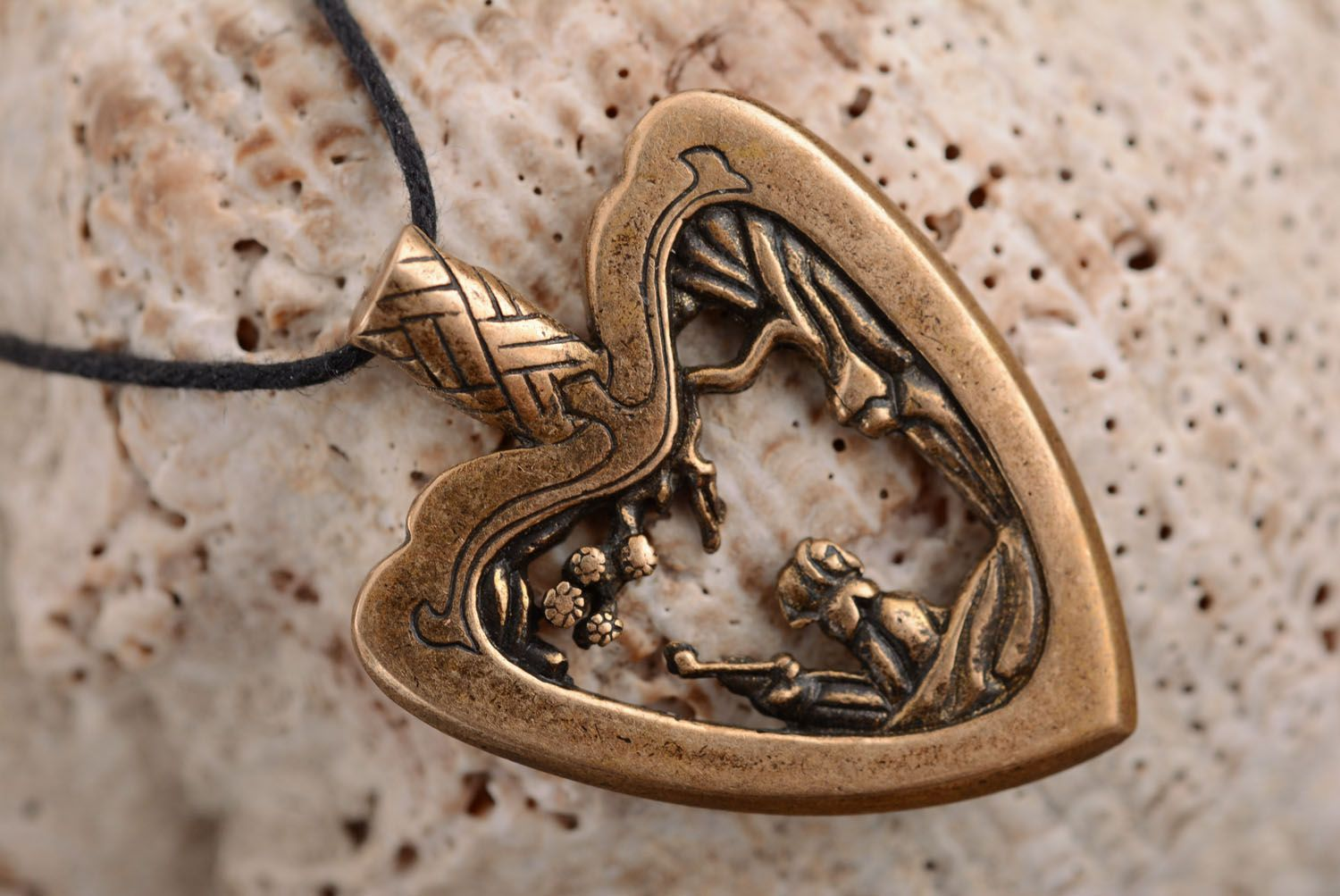 Bronze pendant Japanese Heart photo 2