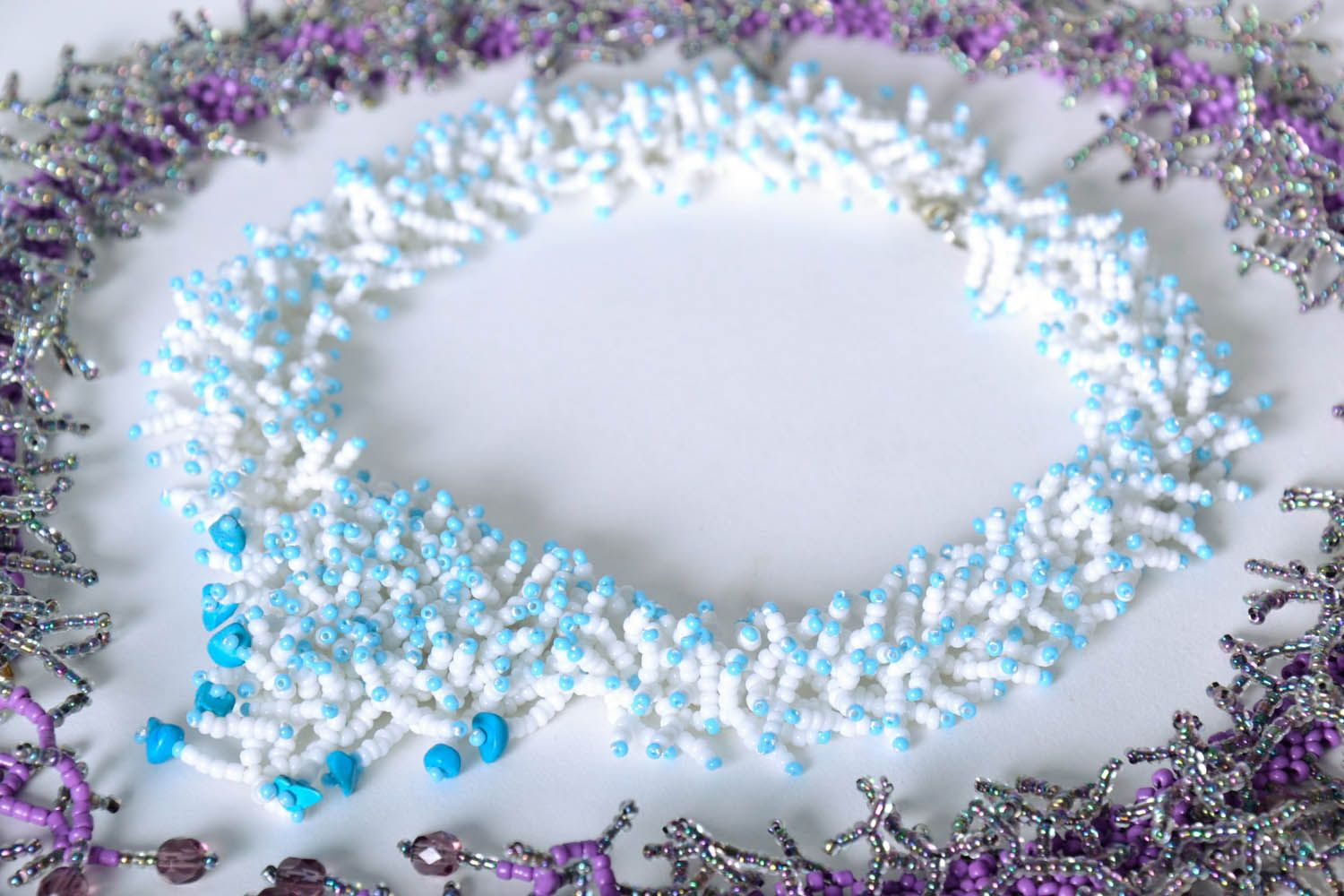 Beaded necklace White Corals photo 1