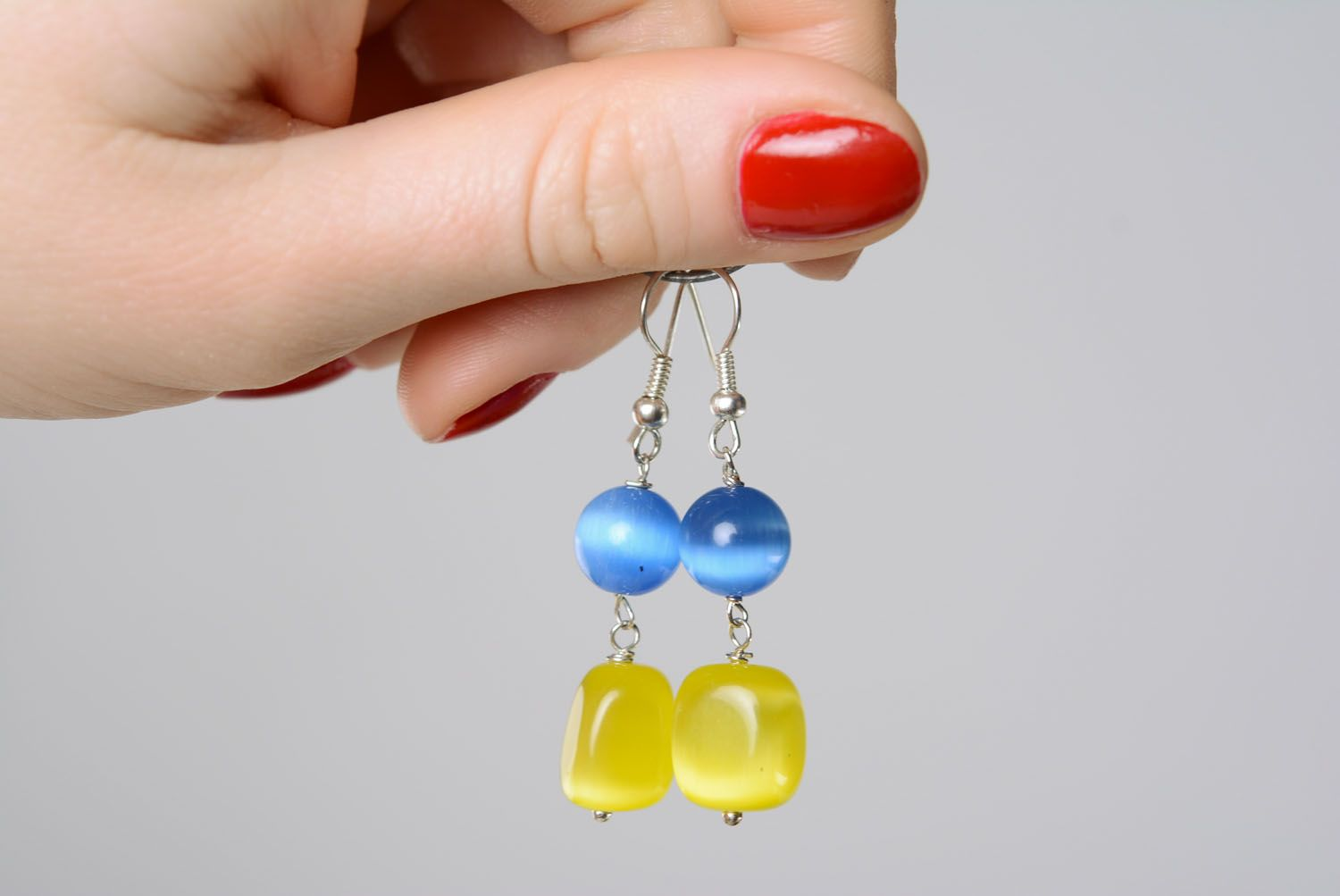 Earrings with cat's eye stone photo 3