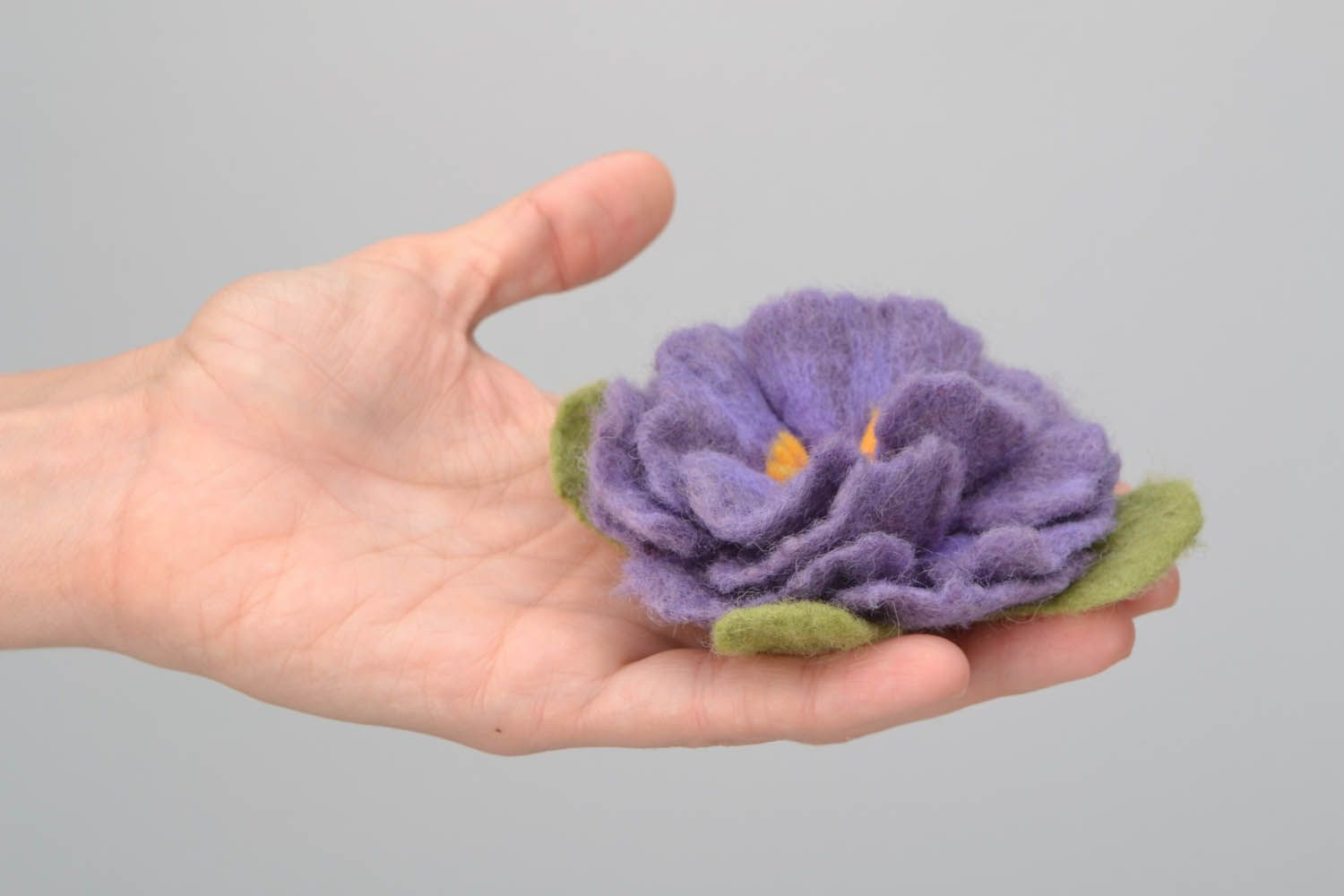 Brooch made using the felting wool technique photo 2