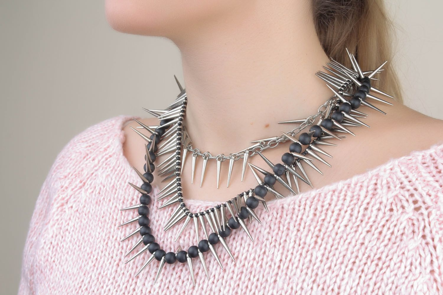 Unique metal necklace with spikes photo 1