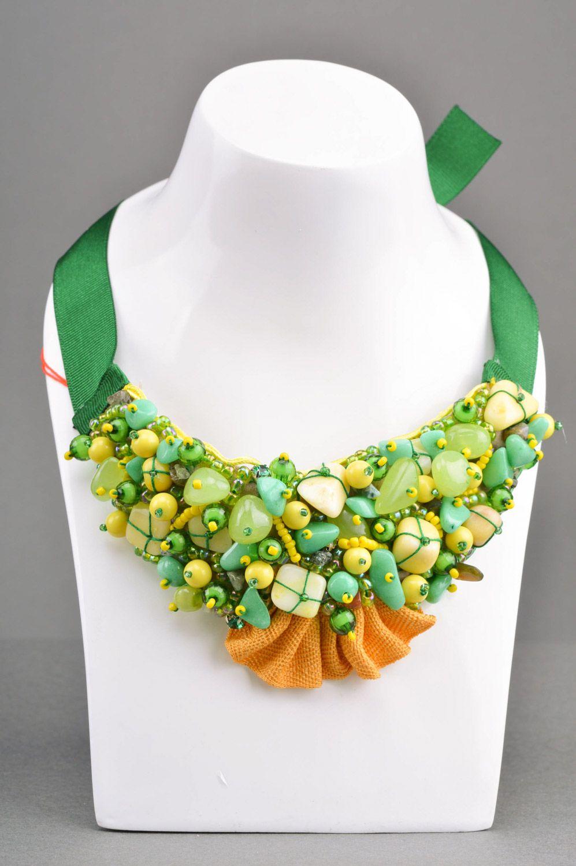 cuellos Cuello de cuentas collar artesanal en tonos verdes para mujer ,  MADEheart.com