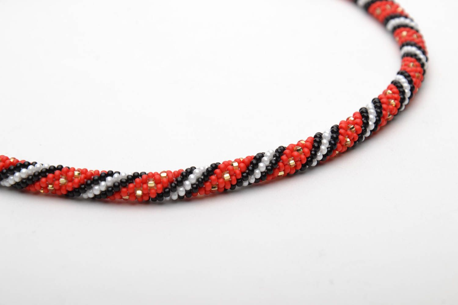 Beaded necklace in ethnic style photo 4