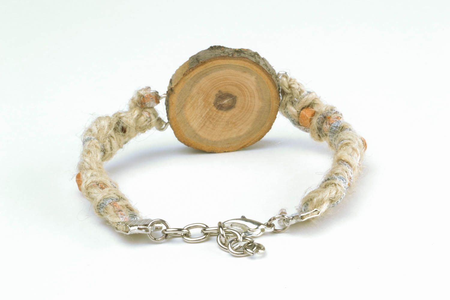 Bracelet made of threads photo 5