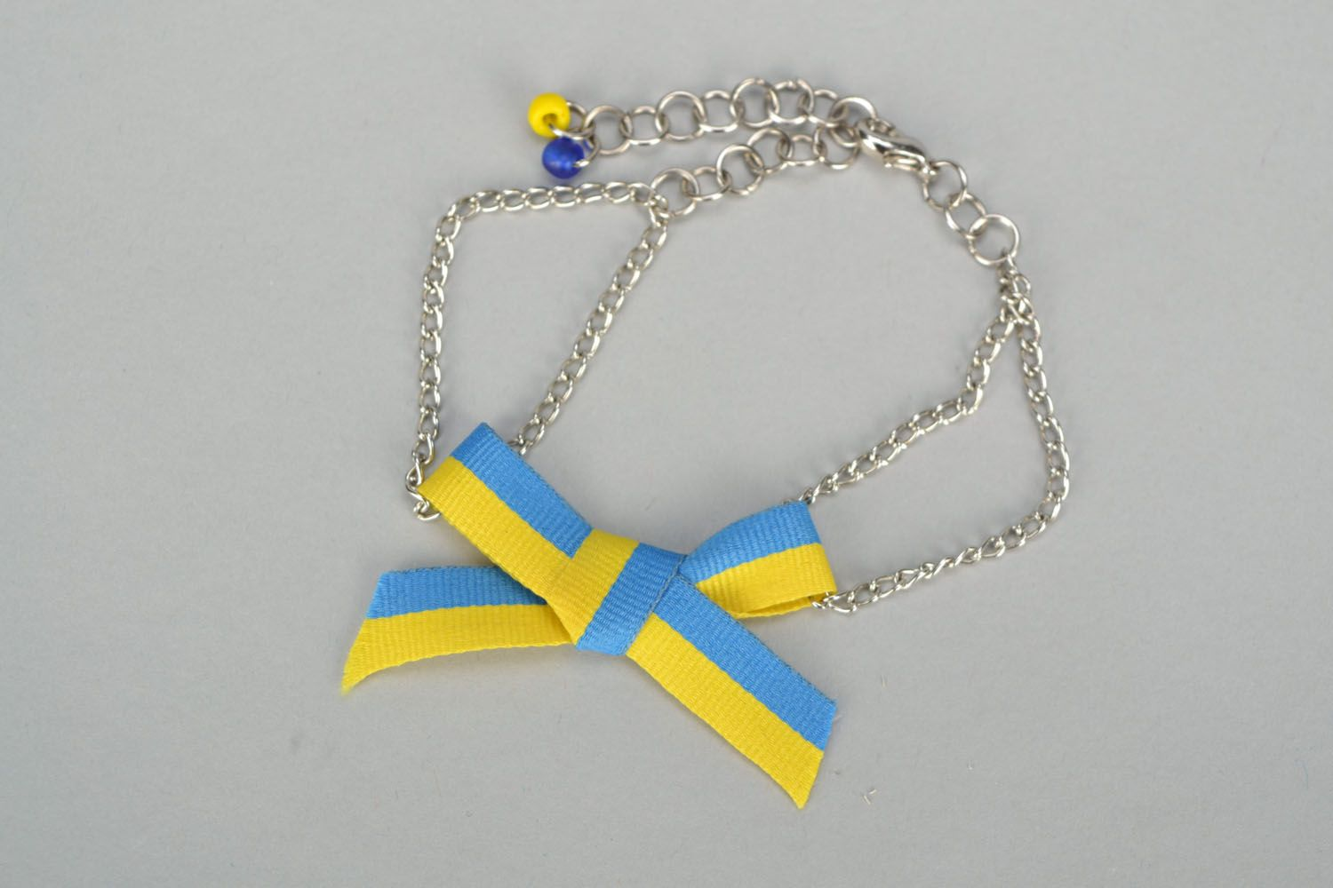 Homemade necklace with ribbon bow photo 2