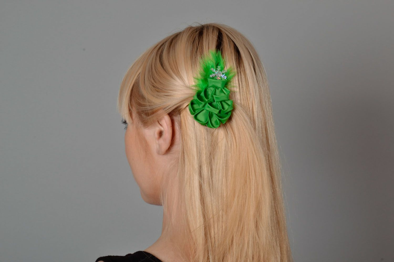 Festive hair clip photo 1