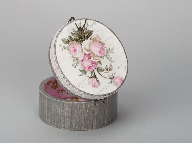 Round jewelry box photo 1