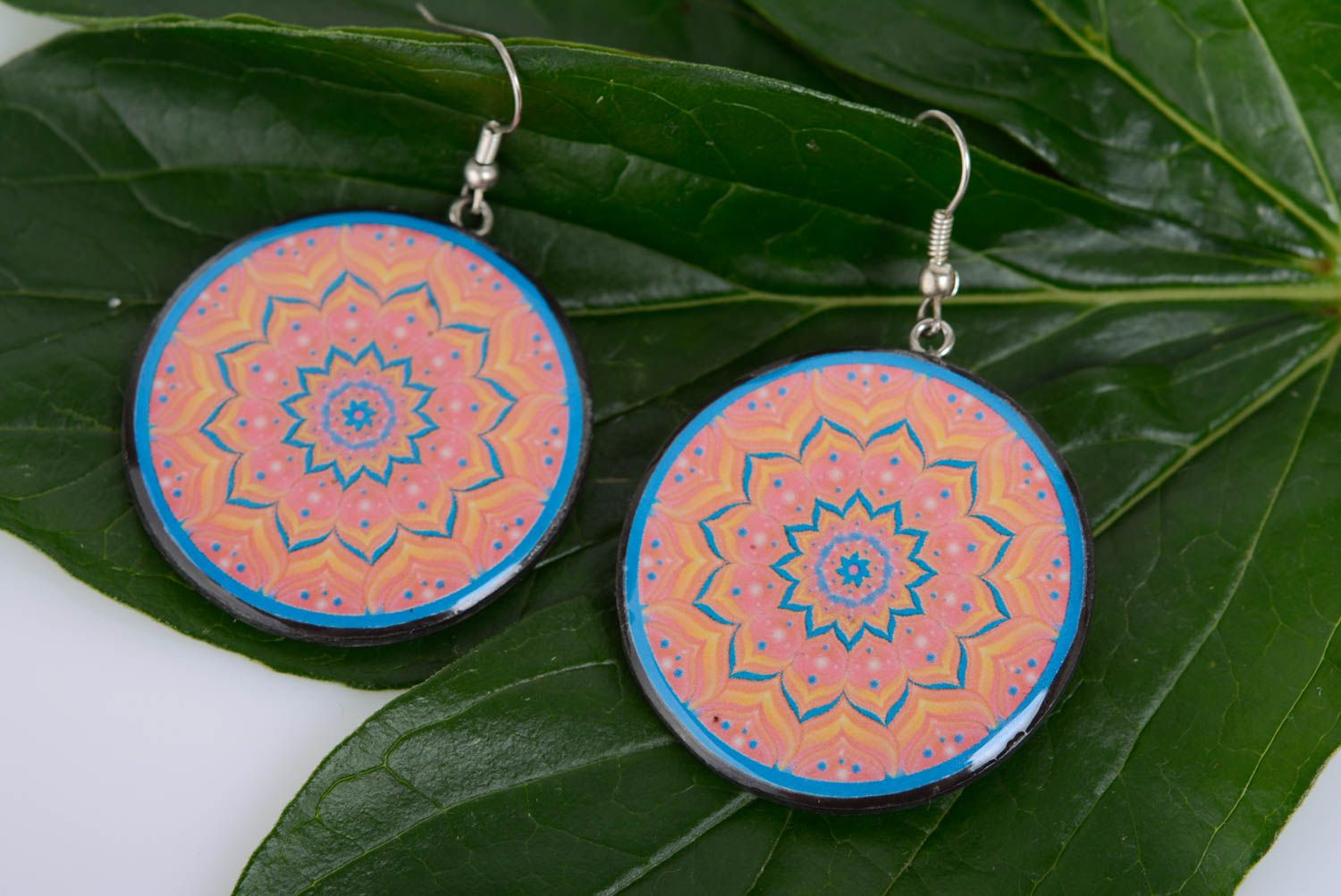 Patterned handmade designer plastic round earrings with decoupage photo 3