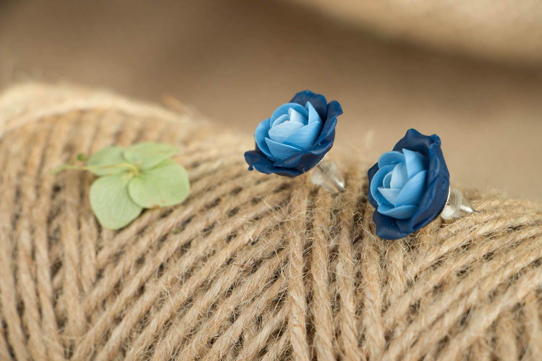 Blaue Blumen Ohrstecker aus Polymerton  foto 3