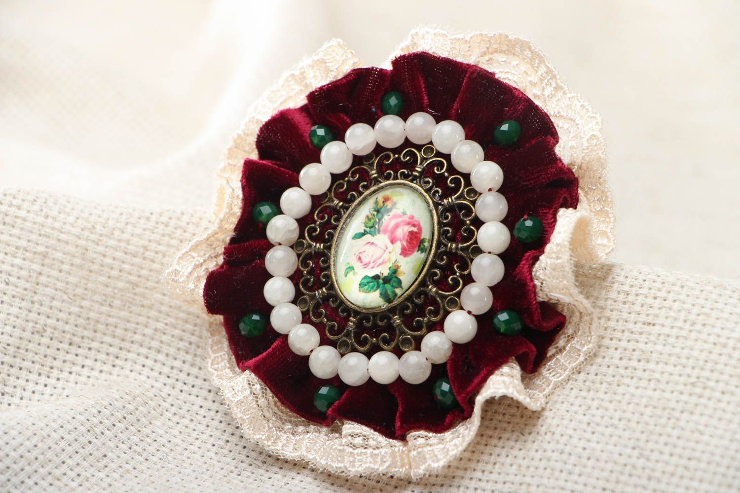 Homemade lace brooch photo 1