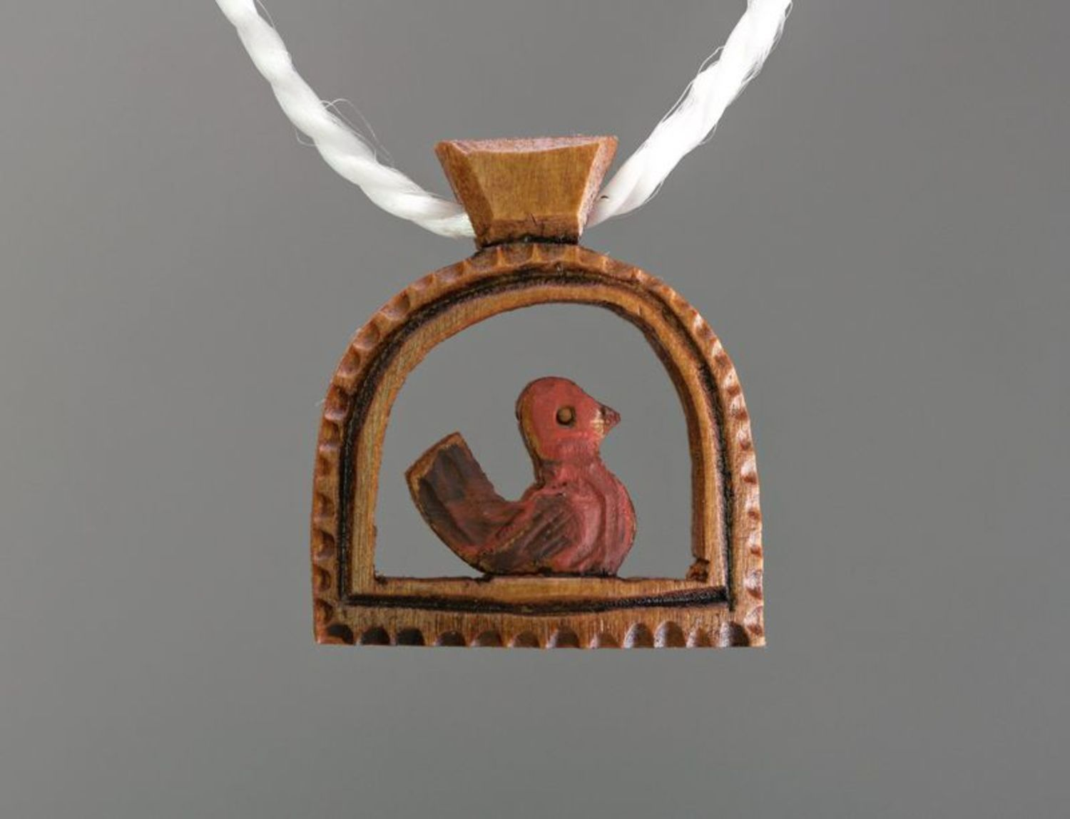 Wooden pendant Birdie photo 1