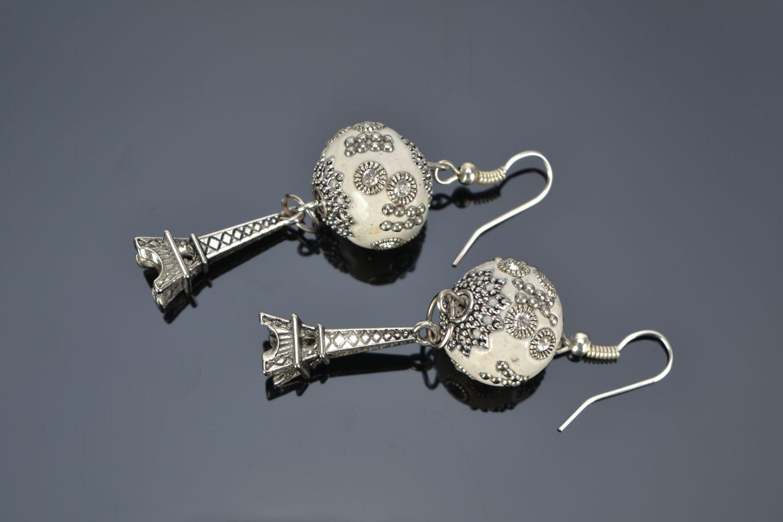 Earrings with rhinestones photo 1