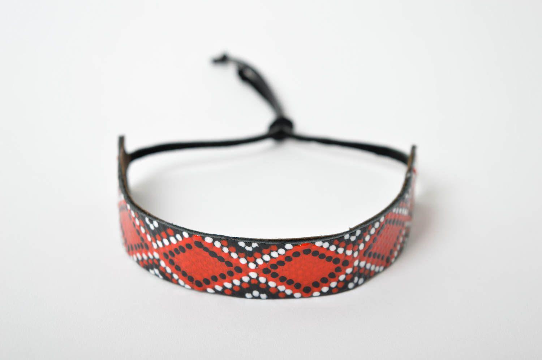 Аксессуар из кожи ручная работа кожаный браслет с орнаментом браслет на руку фото 2