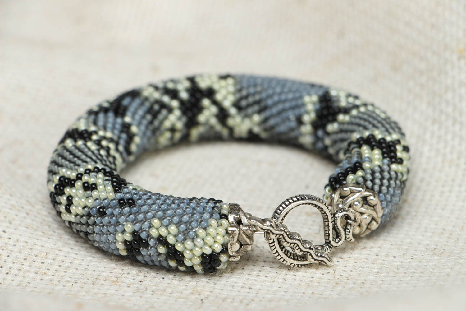 Beaded wrist bracelet Python  photo 2