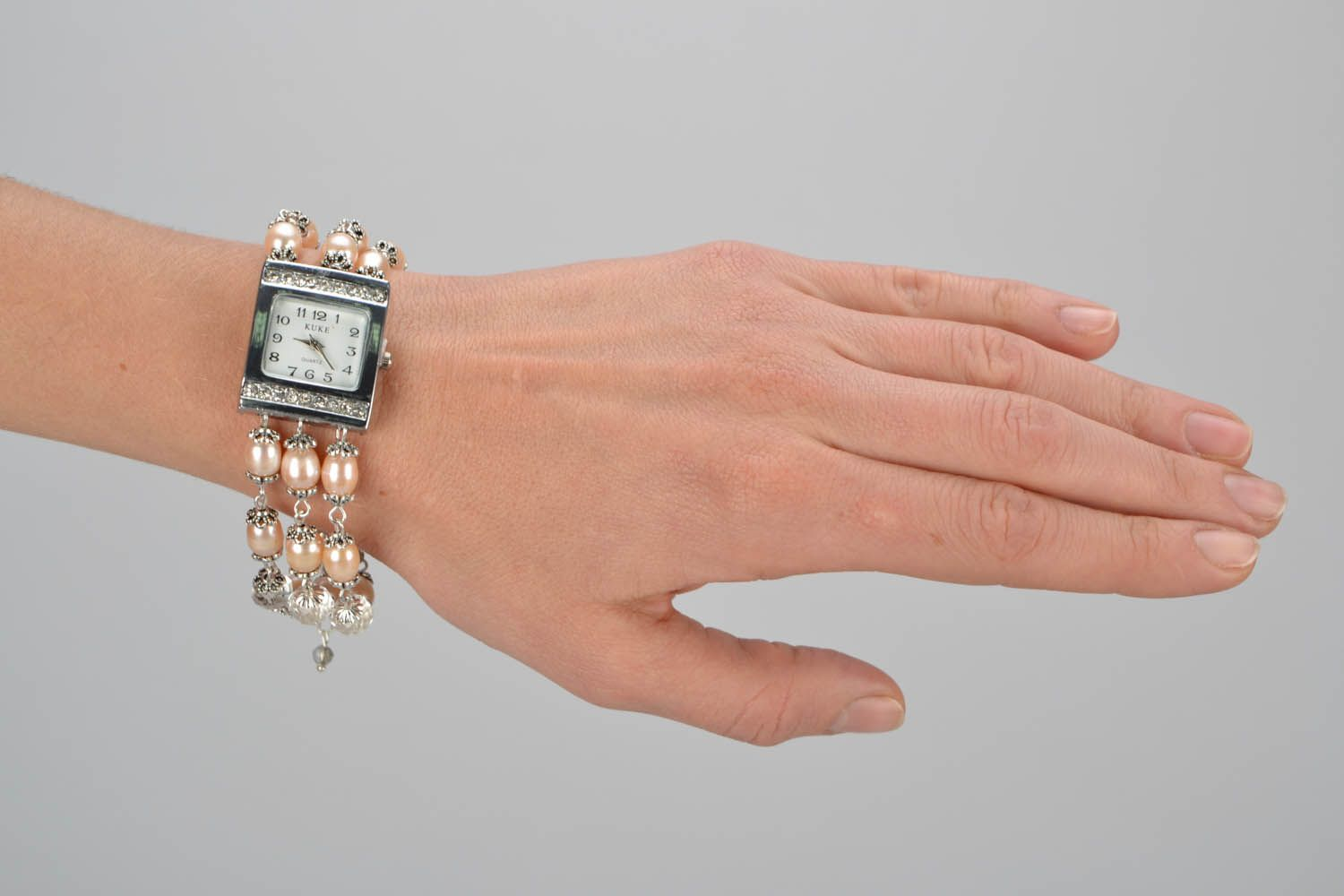 watches Wristwatch with nacre - MADEheart.com