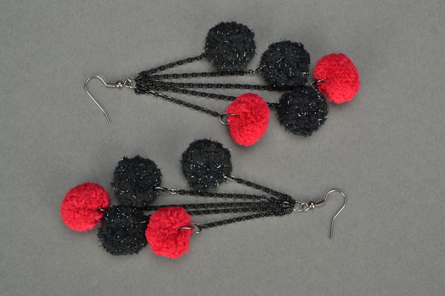 Long earrings Red and Black photo 3