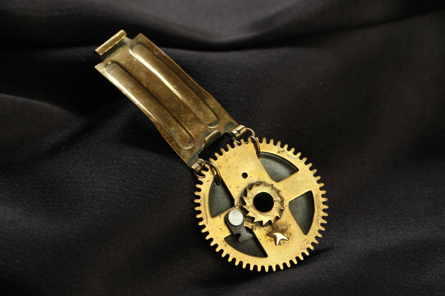 Steampunk brooch with clock mechanism photo 1
