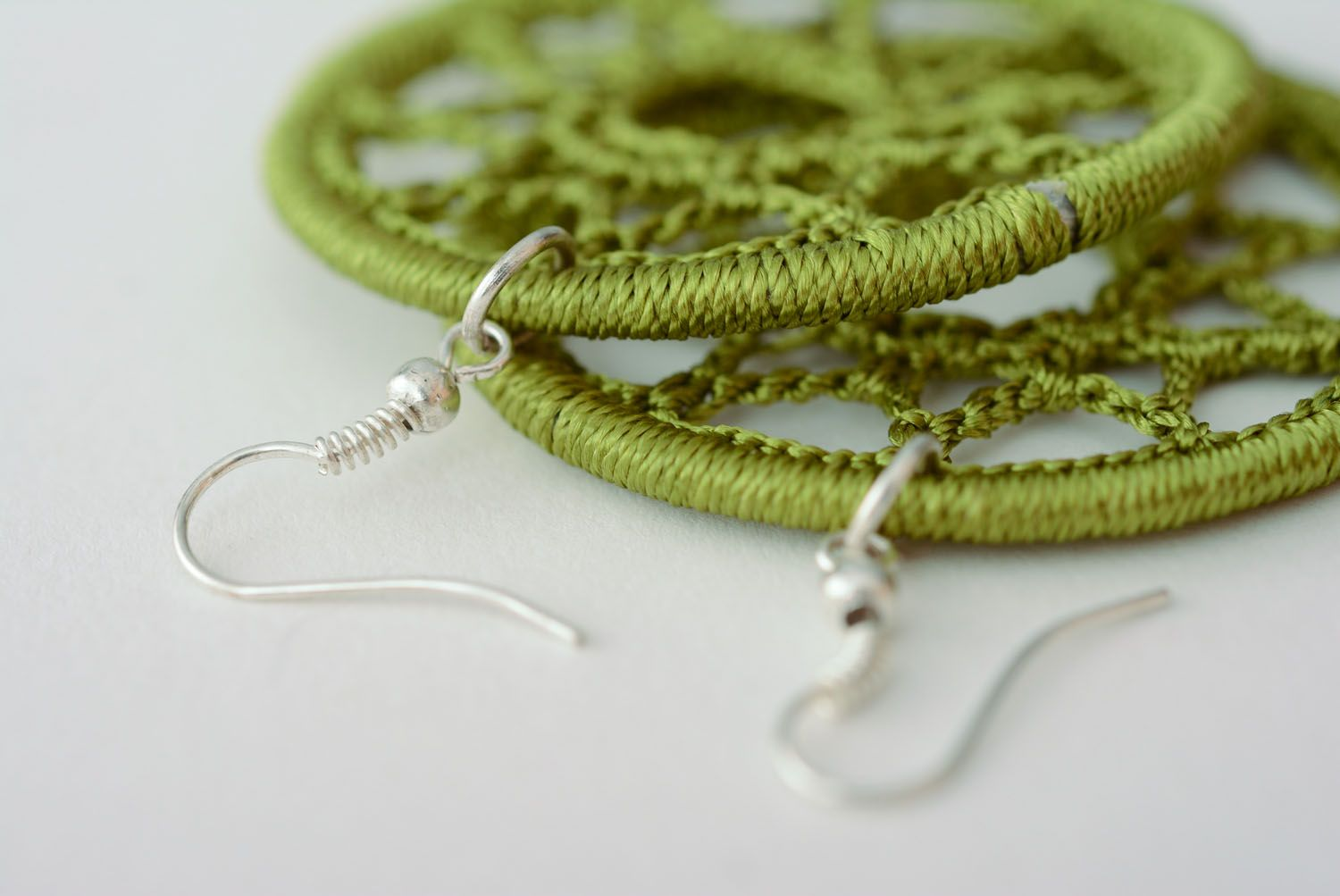 Earrings woven of green threads photo 5