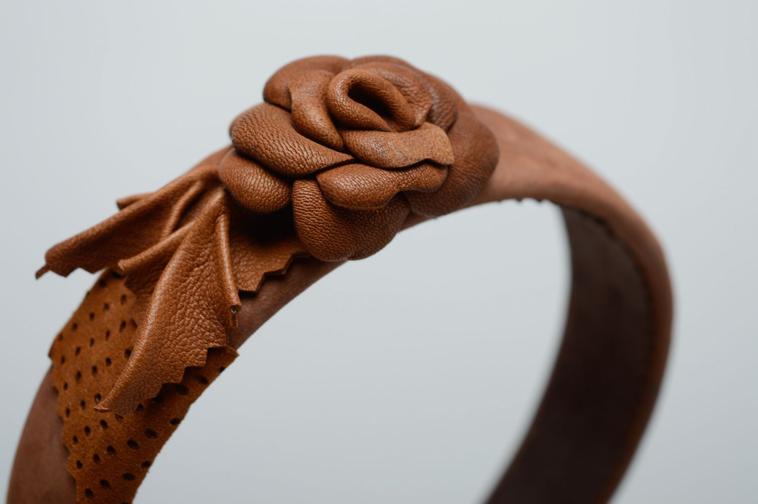 Brown leather headband with flower photo 2