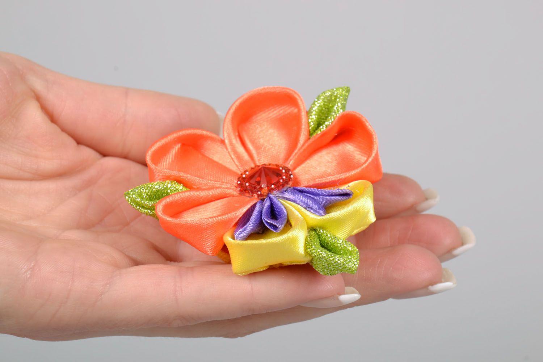 Kanzashi flower scrunchy photo 5