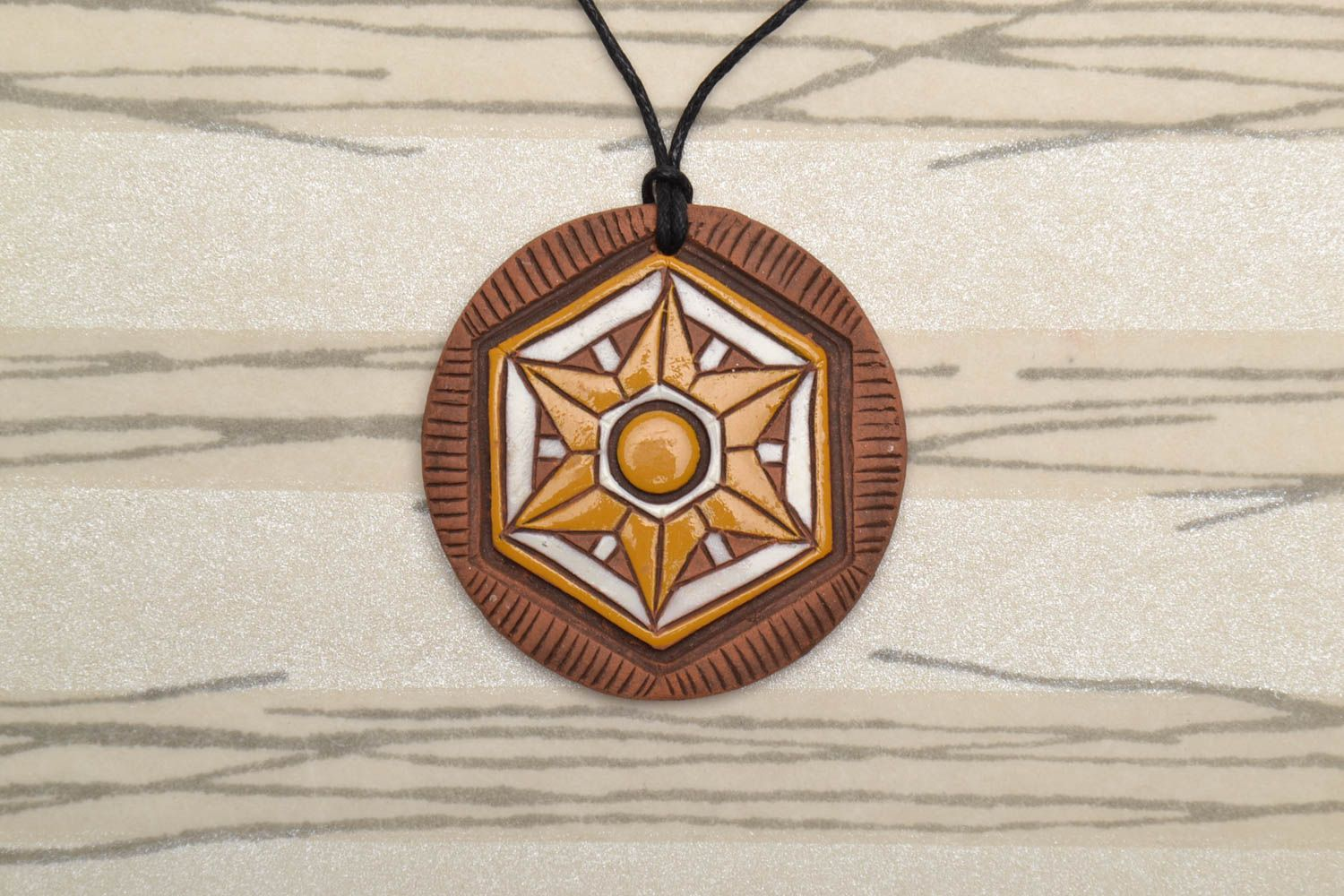 Bright ceramic pendant in ethnic style photo 1