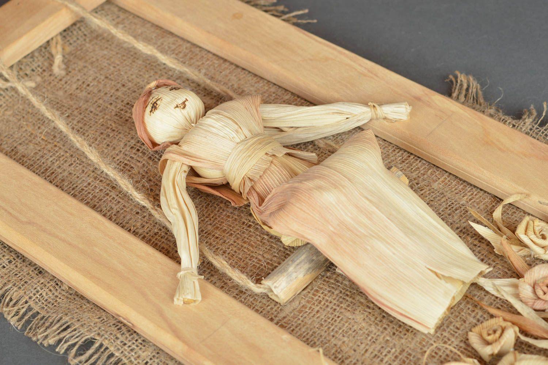 madeheart cadre avec figurine en feuilles de ma s fait main d cor pour maison enfance. Black Bedroom Furniture Sets. Home Design Ideas