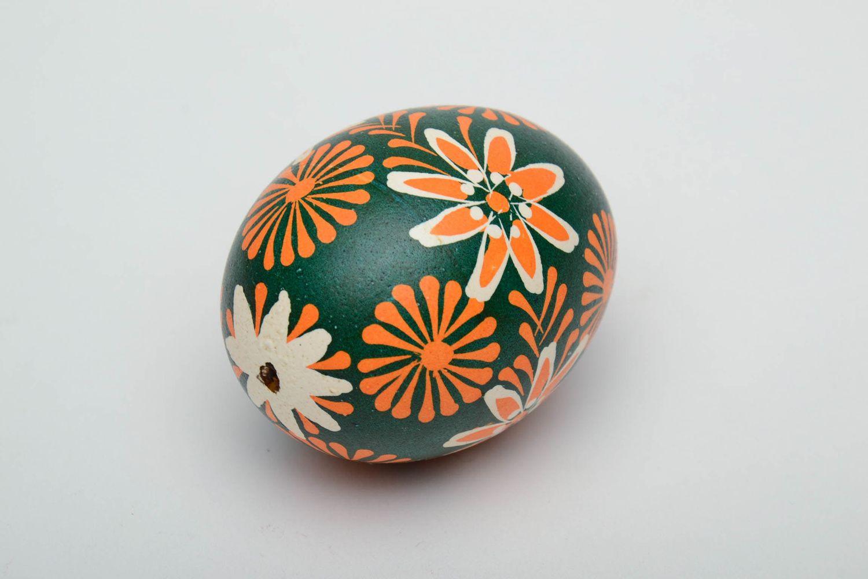 Handmade Lemkiv pysanka created of chicken egg photo 4