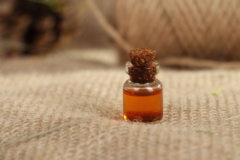Perfume oil in small box photo 3