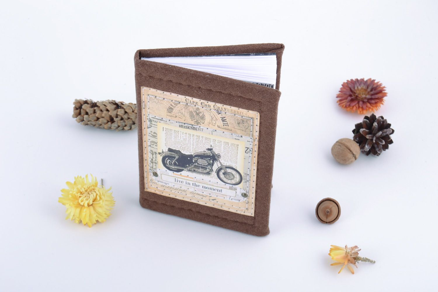 Notice: Undefined variable: cat in /home/newmadeheart/prod/cache/volt/%%home%%newmadeheart%%prod%%app%%views%%product%%index.volt.php on line 139  Handmade beautiful notebook with fabric cover with the image of retro motorbike - MADEheart.com