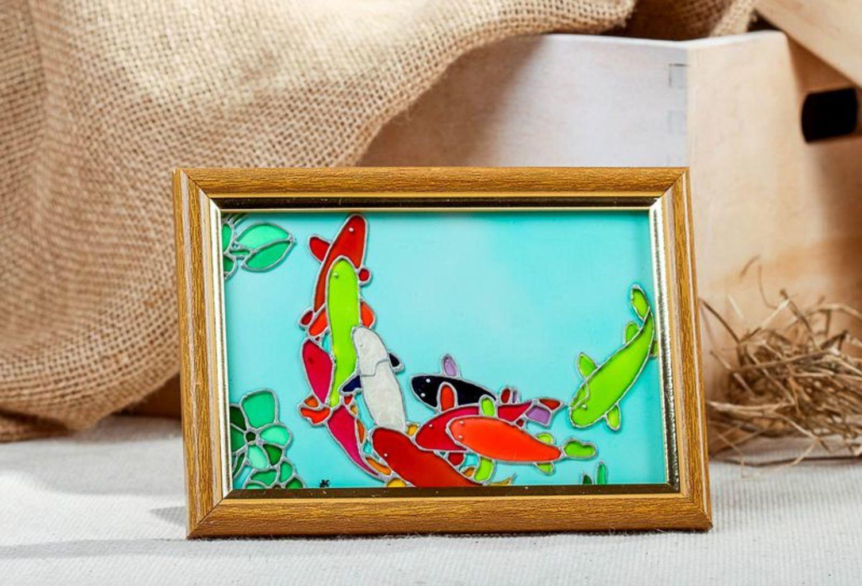 Картина в деревянной рамке