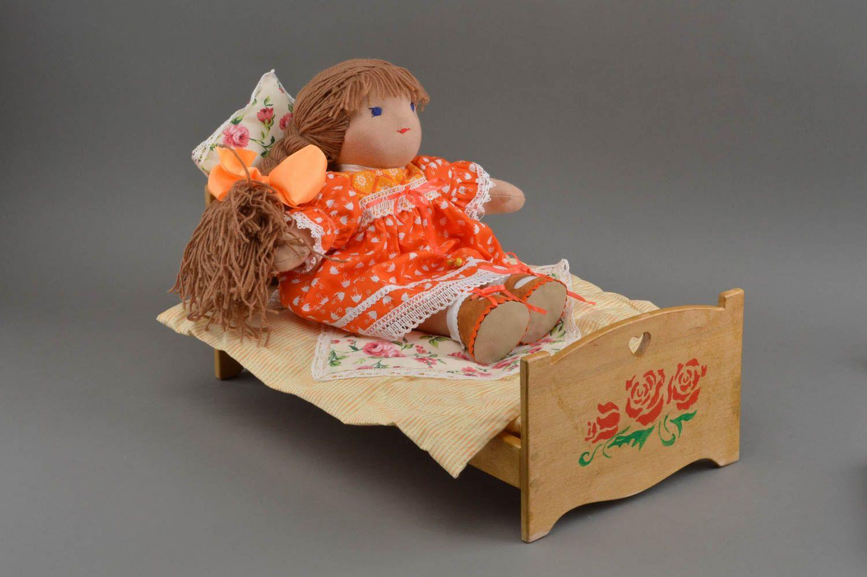 Как для большой куклы сделать кровать
