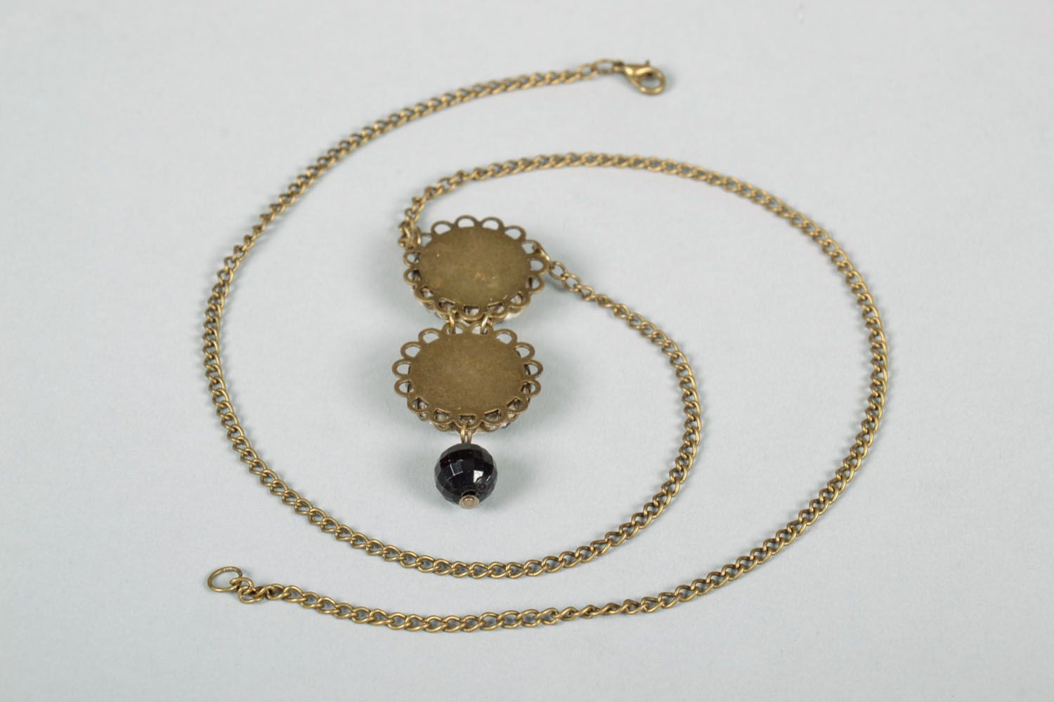 Pendant on a chain photo 4