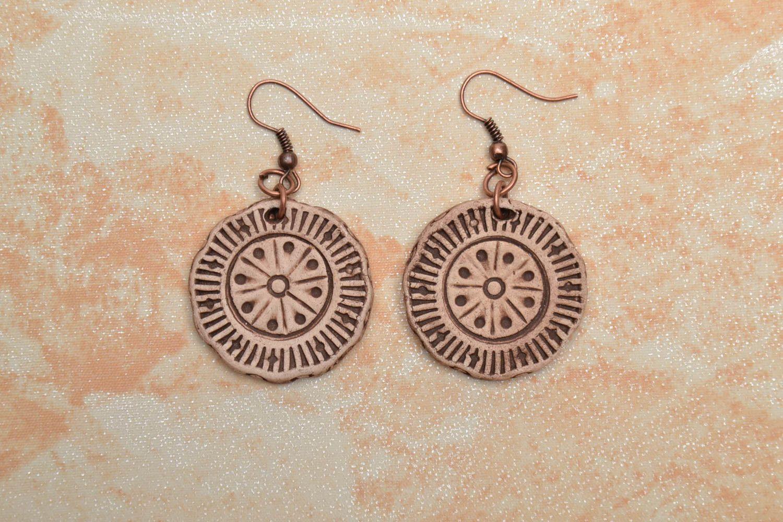 Round ceramic earrings photo 1